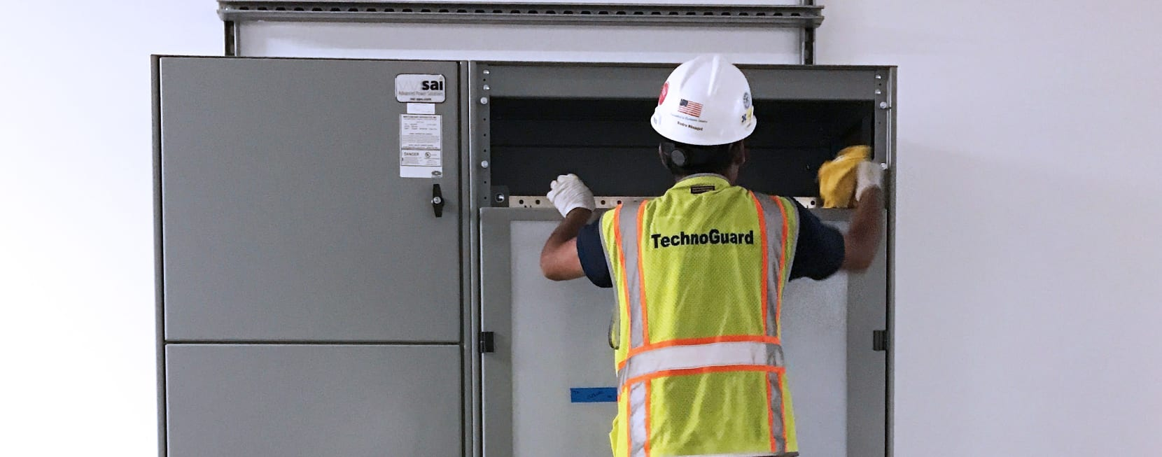 Technogaurd_Equipment_Cleaning_Data_Center